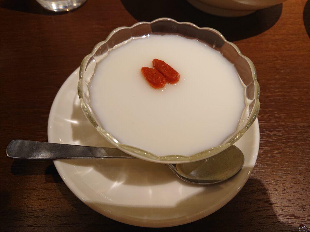 デザートの杏仁豆腐