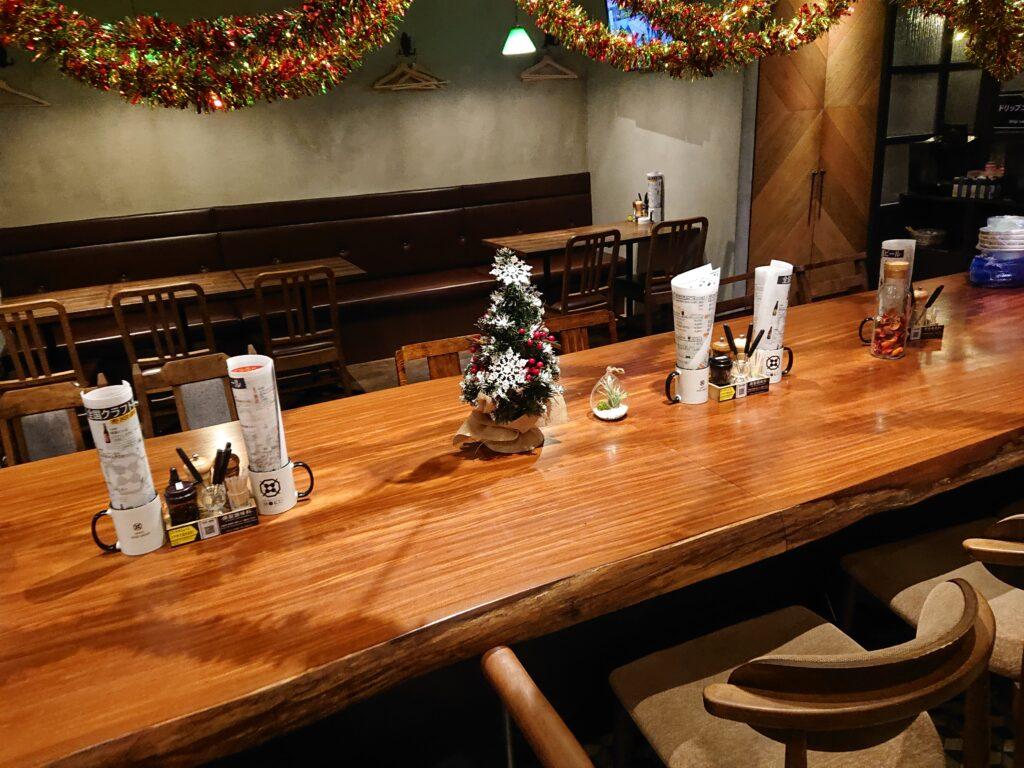 燻製 鉄板焼 クラフトビール MOKU 新橋店  店内の席2