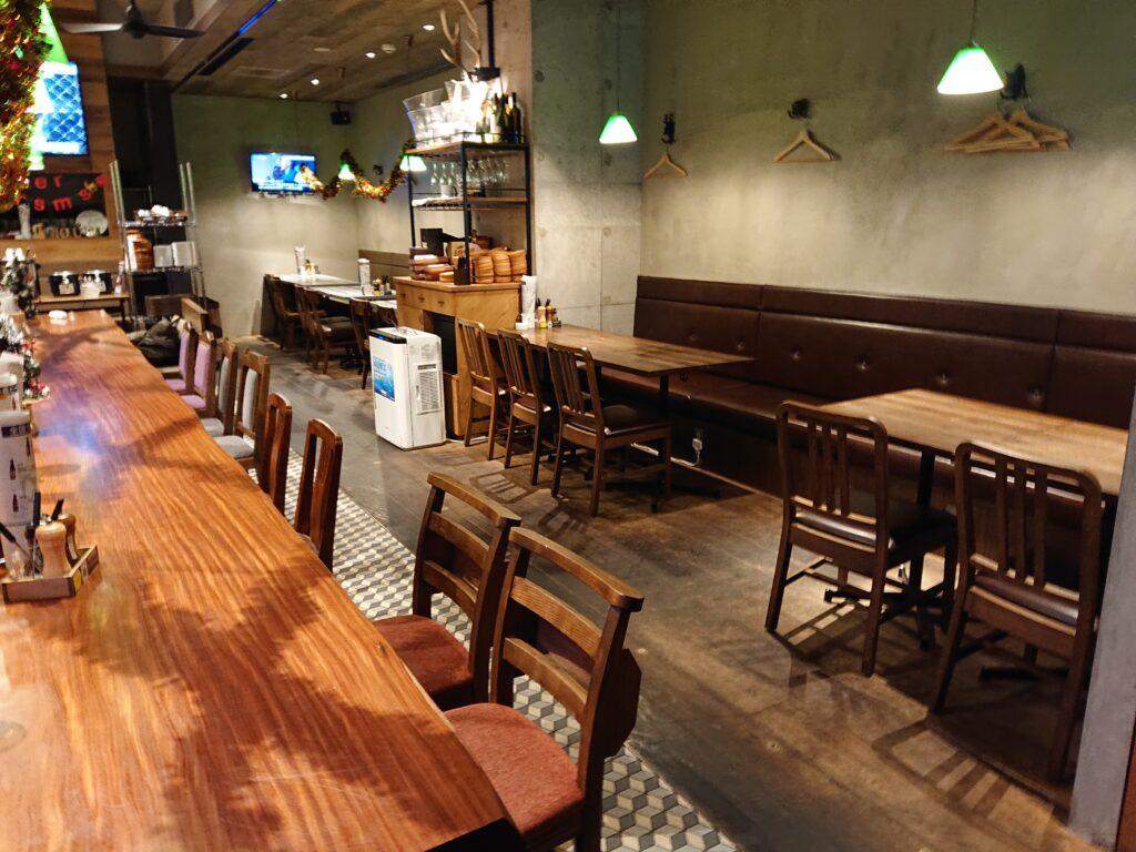 燻製 鉄板焼 クラフトビール MOKU 新橋店  店内の席1