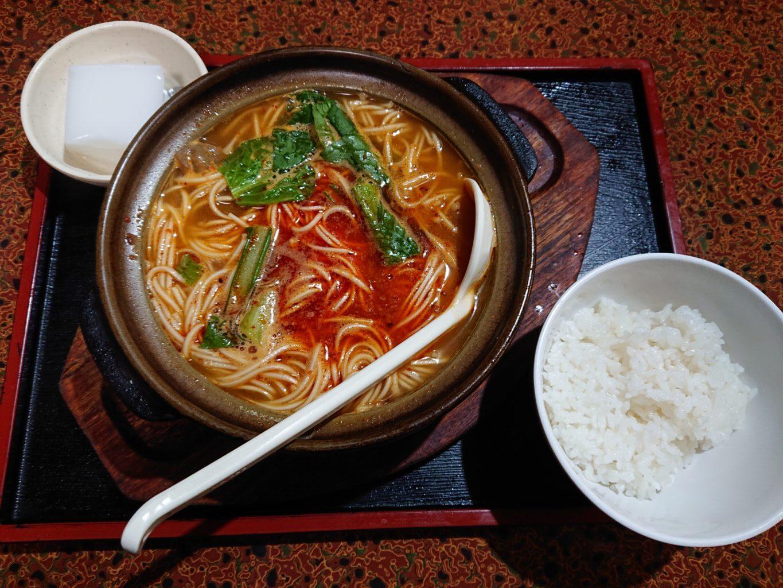 骨付きラム肉麺定食 950円