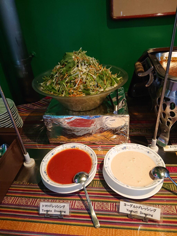 クンビラ (KHUMBILA) ランチビュッフェバイキング サラダとドレッシング