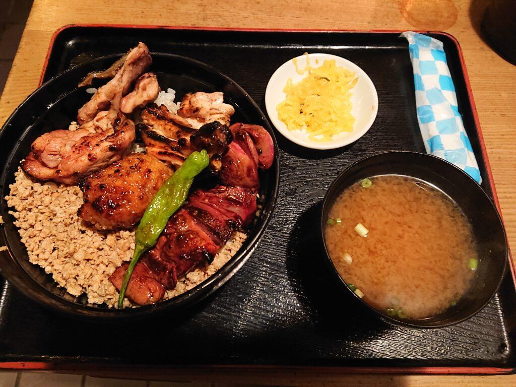 鳥与志 (とりよし)@虎ノ門 焼き鳥丼セット