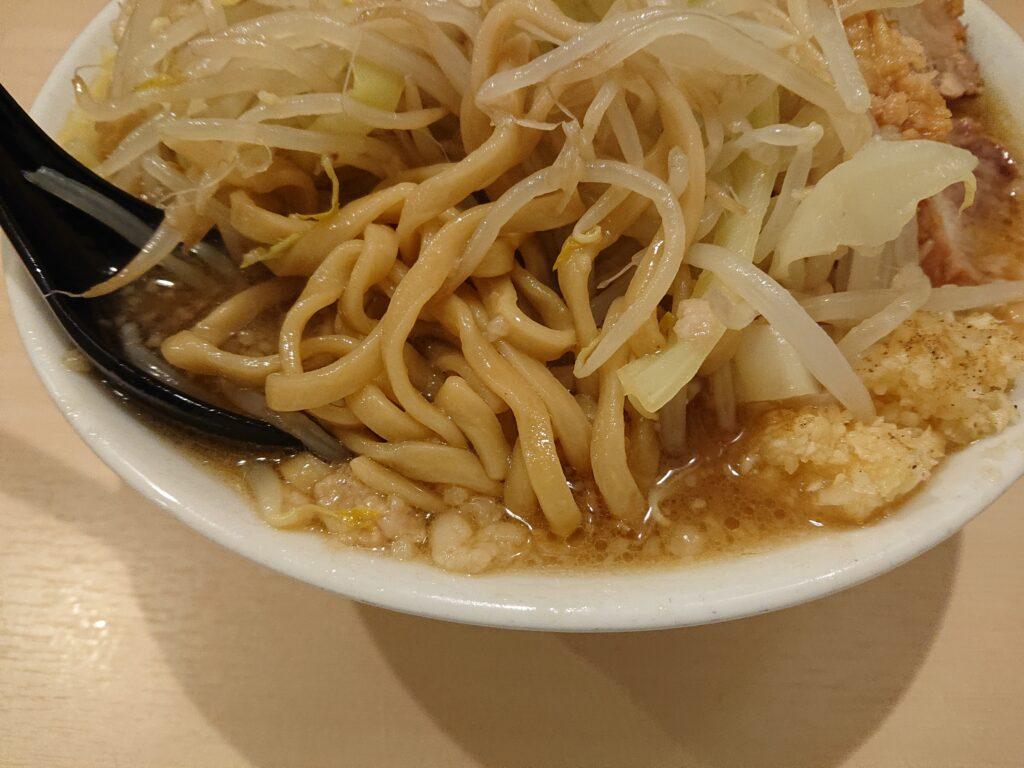 ラーメン 鷹の目 ラーメンの麺