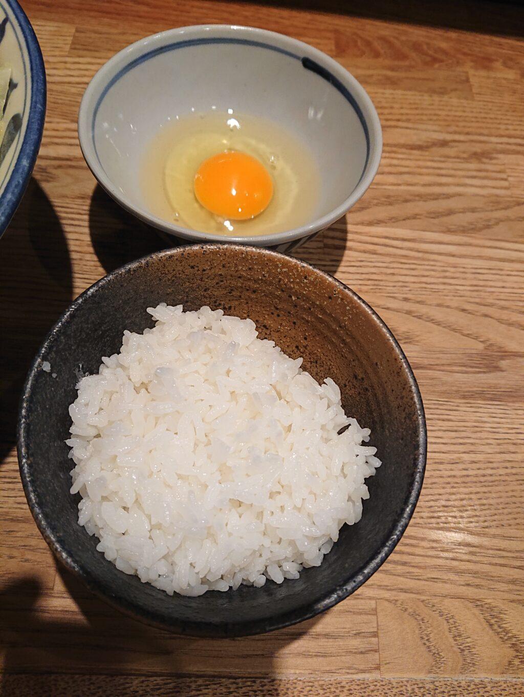 麺屋ぬかじ@渋谷 サービスのたまごとライス