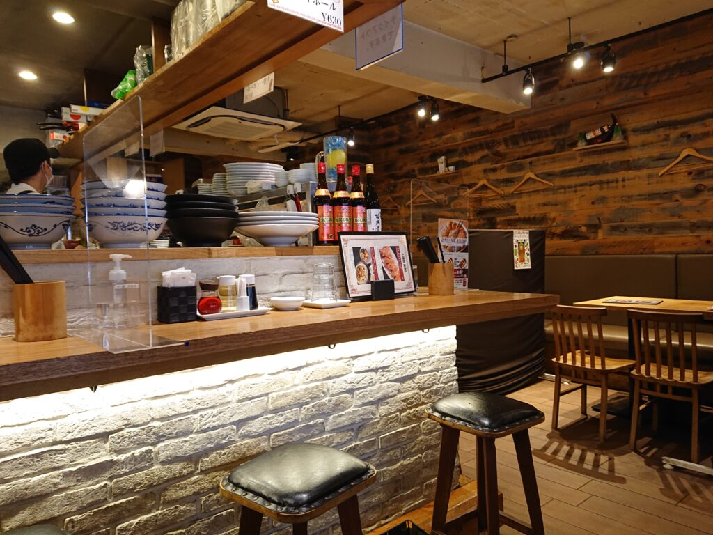 恵比寿餃子 大豊記 弐號房 (タイホウキ) 店内の席