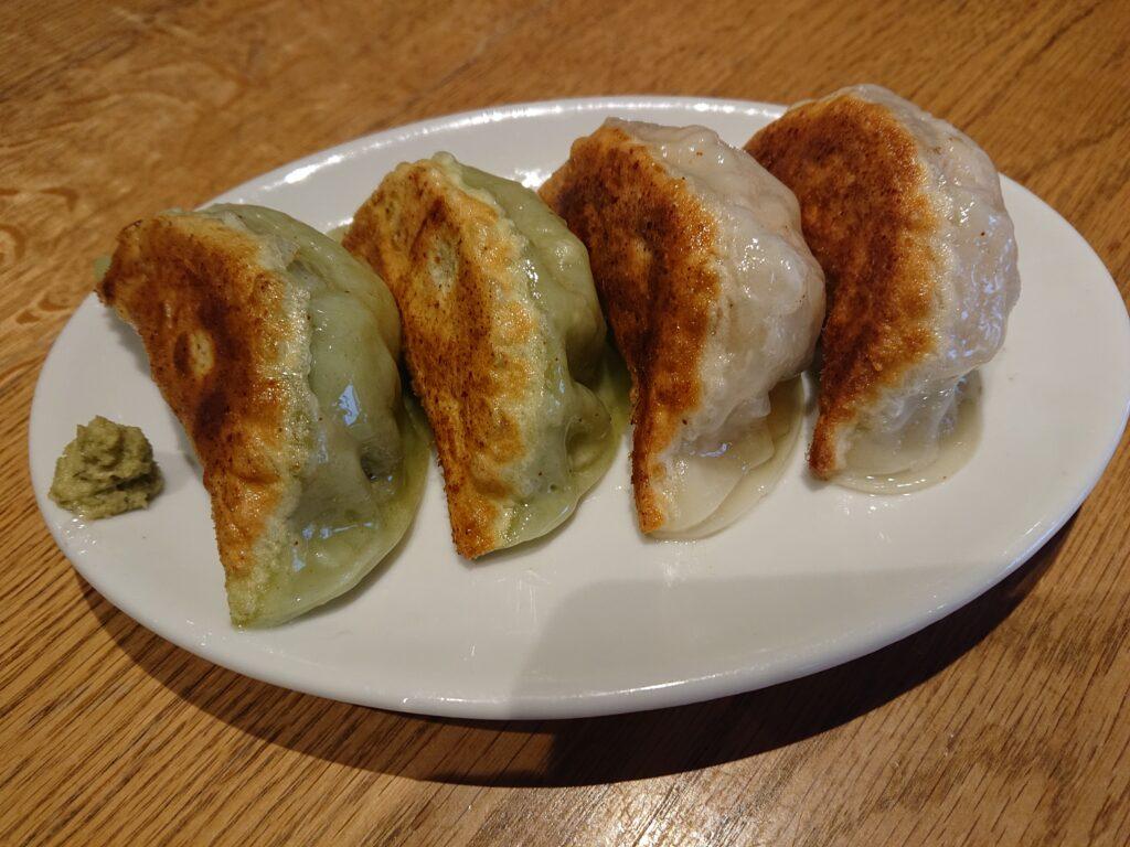 元祖 恵比寿餃子とマグロアボカド餃子