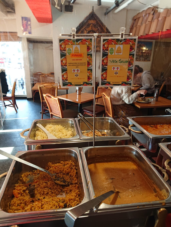 ニルワナム 神谷町店 (Nirvanam) ビュッフェのビリヤニとカレー