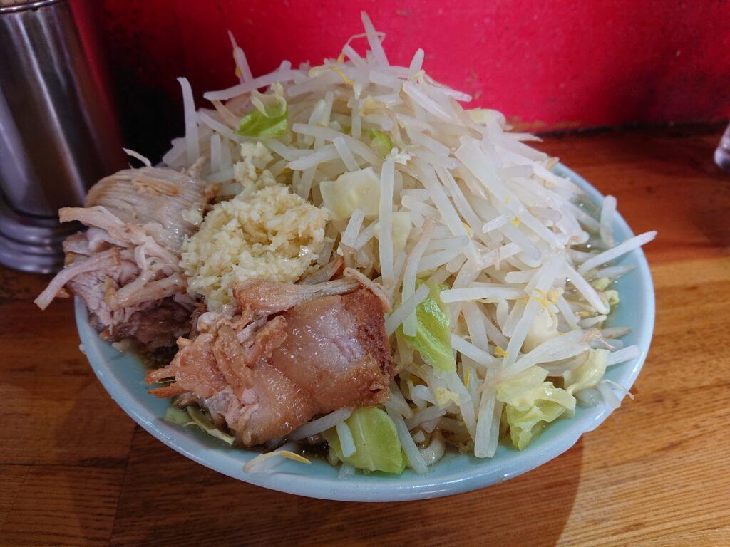 ラーメン髭 (らーめんひげ) 野菜マシ ニンニク