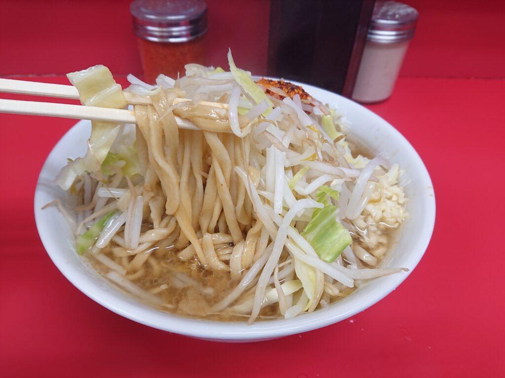 ラーメン二郎 千住大橋 ラーメンの麺