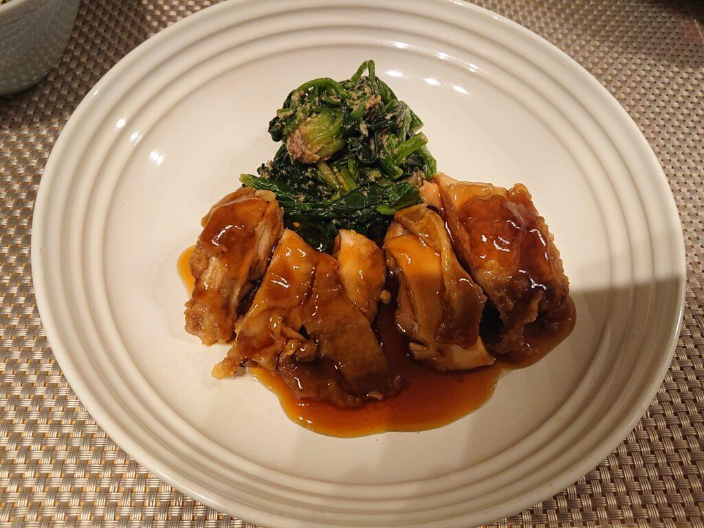大山鶏もも肉のTERIYAKI 白菜と昆布の漬物