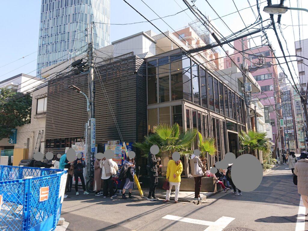 パリヤ 青山店 (PARIYA) 開店前の行列