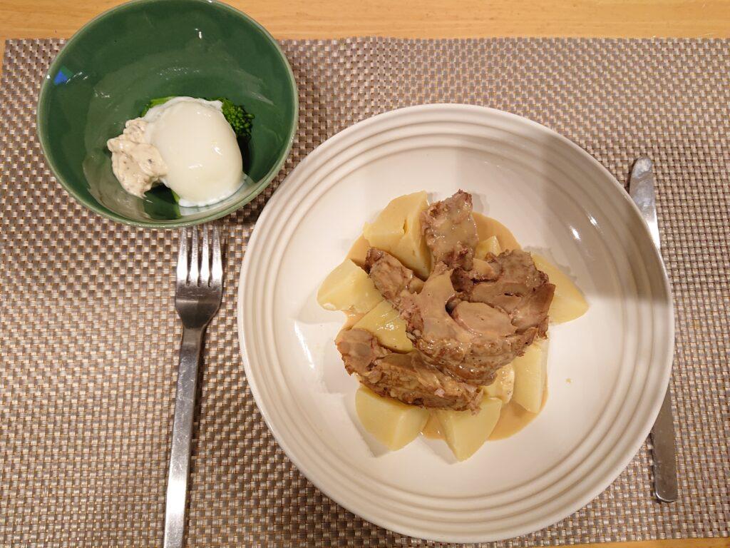 ブランケットドヴォー(仔牛の軽いクリーム煮込み)とキタアカリと菜花と温玉